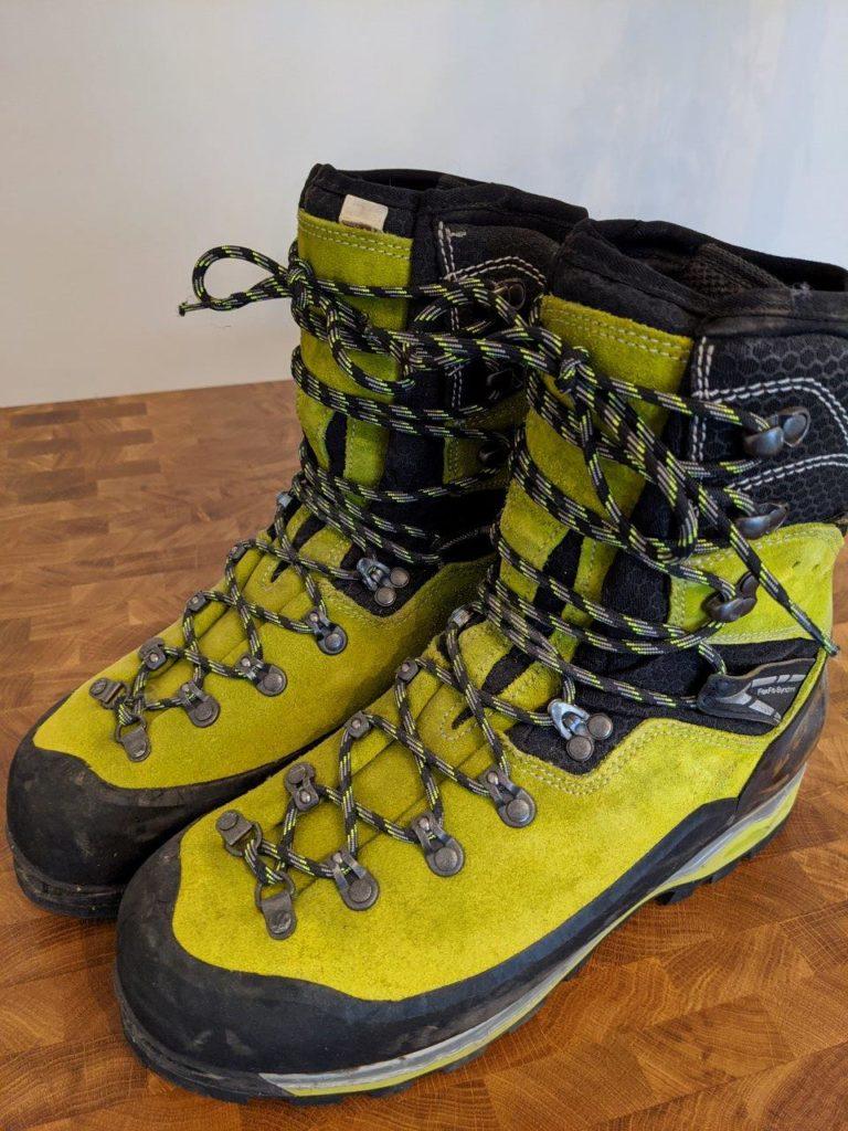 【レビュー】LOWA Weisshorn(バイスホルン)GTXは雪山・厳冬期登山靴におすすめ。